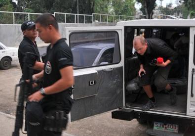 FILIPPINENE: Nordmann feilaktig beskyldt for barnedrap. For VG, 2011.