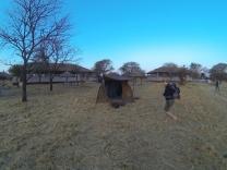 BO ENKELT: Den beste safariopplevelsen får man ved å bo i telt midt i naturen. Det er trolig ikke farlig.